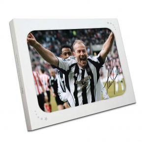 Alan Shearer Signed Newcastle United Photo: Sunderland Penalty In Gift Box