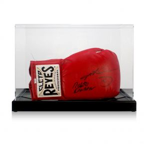 Signed Leonard and Duran Cleto Reyes glove