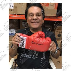 Roberto Duran Signed Red Everlast Boxing Glove - Smudged Stock
