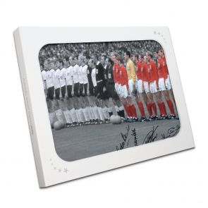 England World Cup Photo Signed By Five Of The Winners In Gift Box