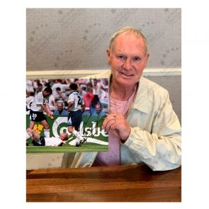 Paul Gascoigne Signed Photo: Dentist Chair. Framed