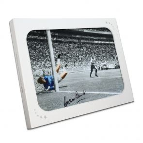 Signed Gordon Banks Photo In Gift Box
