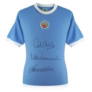 Manchester City Shirt Signed By Colin Bell, Francis Lee And Mike Summerbee In Gift Box
