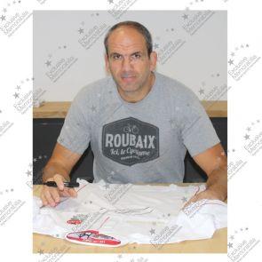 Martin Johnson Signed England Rugby Shirt. Standard Frame