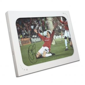 Ole Gunnar Solskjaer Signed Photo In Gift Box