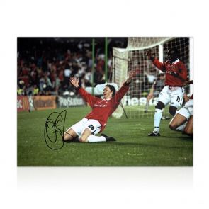 Ole Gunnar Solskjaer Signed Manchester United Photograph In Gift Box