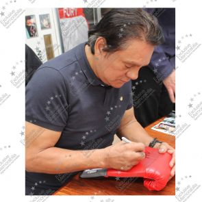 Roberto Duran Signed Red Lonsdale Boxing Glove In Display Case