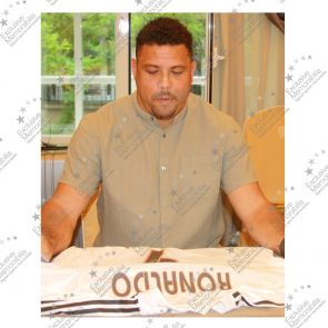 Ronaldo de Lima Signed Real Madrid Football Shirt 2004-05. In Gift Box