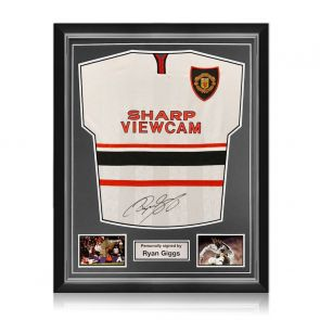 Ryan Giggs Signed Manchester United 1999 Away Shirt. Superior Frame