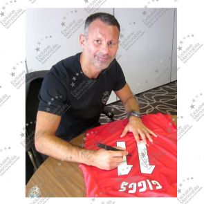 Ryan Giggs Signed 1999 Manchester United Champions League Shirt