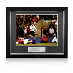 Ryan Giggs Manchester United Signed Photo: FA Cup Semi-Final Wonder Goal. Deluxe Frame