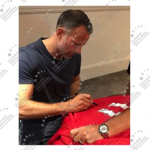 Ryan Giggs Signed Manchester United Shirt