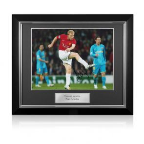 Paul Scholes Signed Manchester United Photo: Barcelona Unstoppable Strike. Deluxe Frame