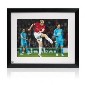 Paul Scholes Signed Manchester United Photo: Barcelona Unstoppable Strike. Framed