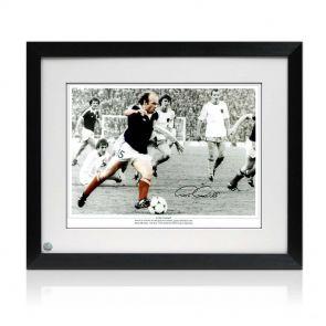 Framed Archie Gemmill Signed Scotland Photo: Holland Goal