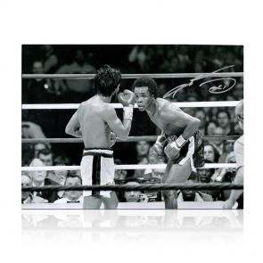 Sugar Ray Leonard Signed Boxing Photograph: Fighting Roberto Duran In Gift Box