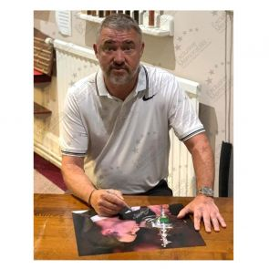 Stephen Hendry Signed Photo: World Snooker Champion. Framed