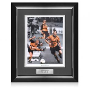 Steve Bull Signed And Framed Wolverhampton Wanderers Photo