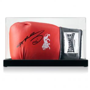 Sugar Ray Leonard Signed Red Lonsdale Boxing Glove In Display Case