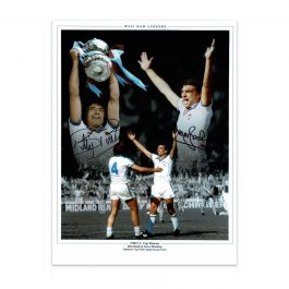 West Ham Photo Signed By Trevor Brooking And Billy Bonds: 1980 FA Cup Final