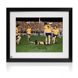 Charlie George Signed Arsenal 1971 FA Cup Final Photo. Framed