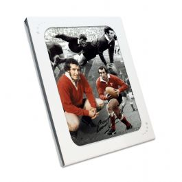 Gareth Edwards Signed Wales Rugby Photograph In Gift Box