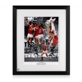 Norman Whiteside Signed Manchester United Photo. Framed