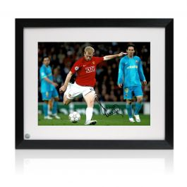 Paul Scholes Signed Manchester United Photograph: The Barcelona Goal. Framed