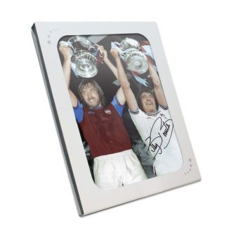 Signed Billy Bonds Photo