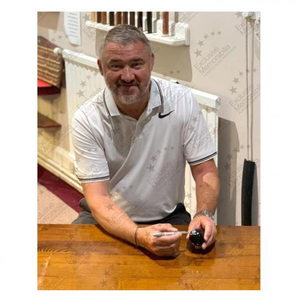 Stephen Hendry signs for Exclusive!