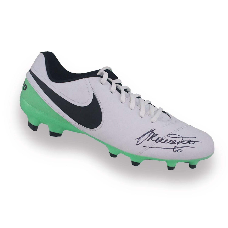 Francesco-Totti-Signed-Tiempo-Football-Boot-Memorabilia-Autographed